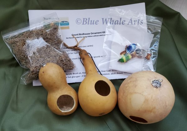 Birdhouse ornament kit